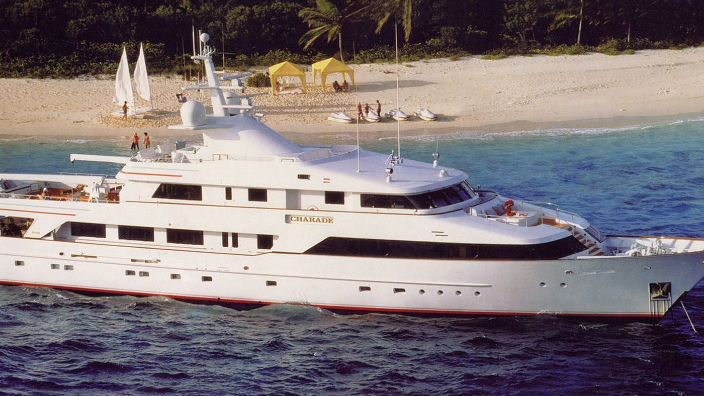M/Y CHARADE SOLD BY NORTHROP & JOHNSON