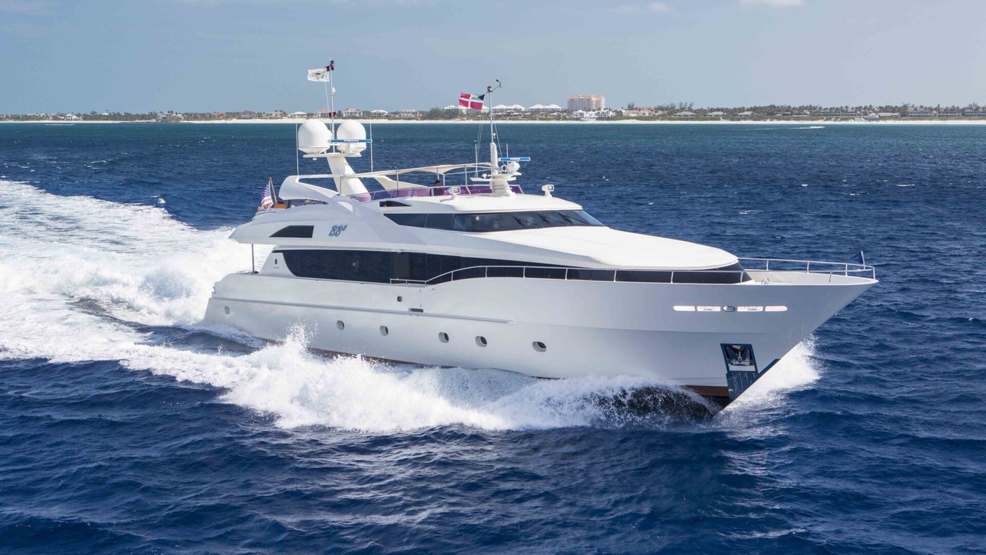 Price reduction of M/Y BB3