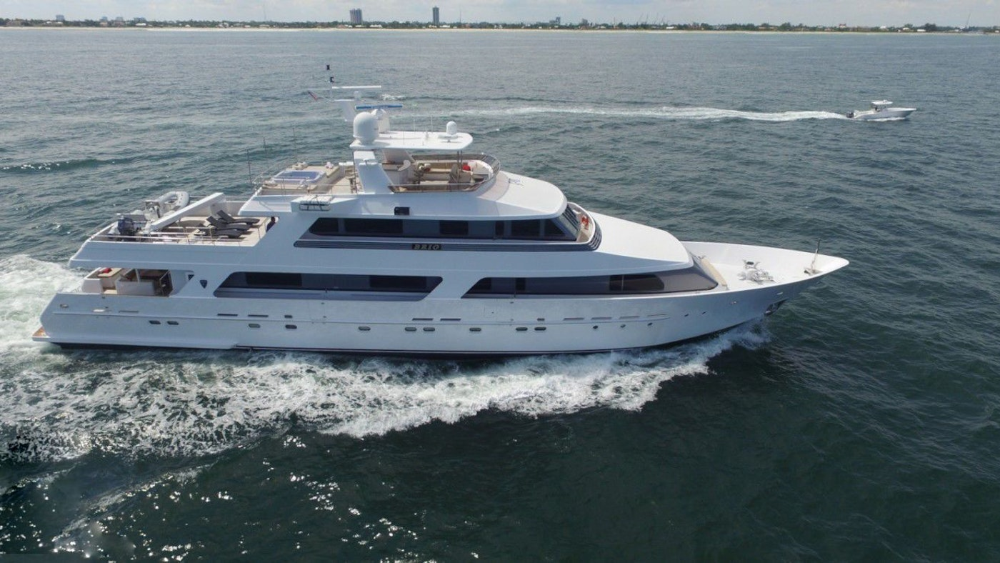 LUXURY CHARTER YACHT BRIO NOW FOR CHARTER WITH NORTHROP & JOHNSON