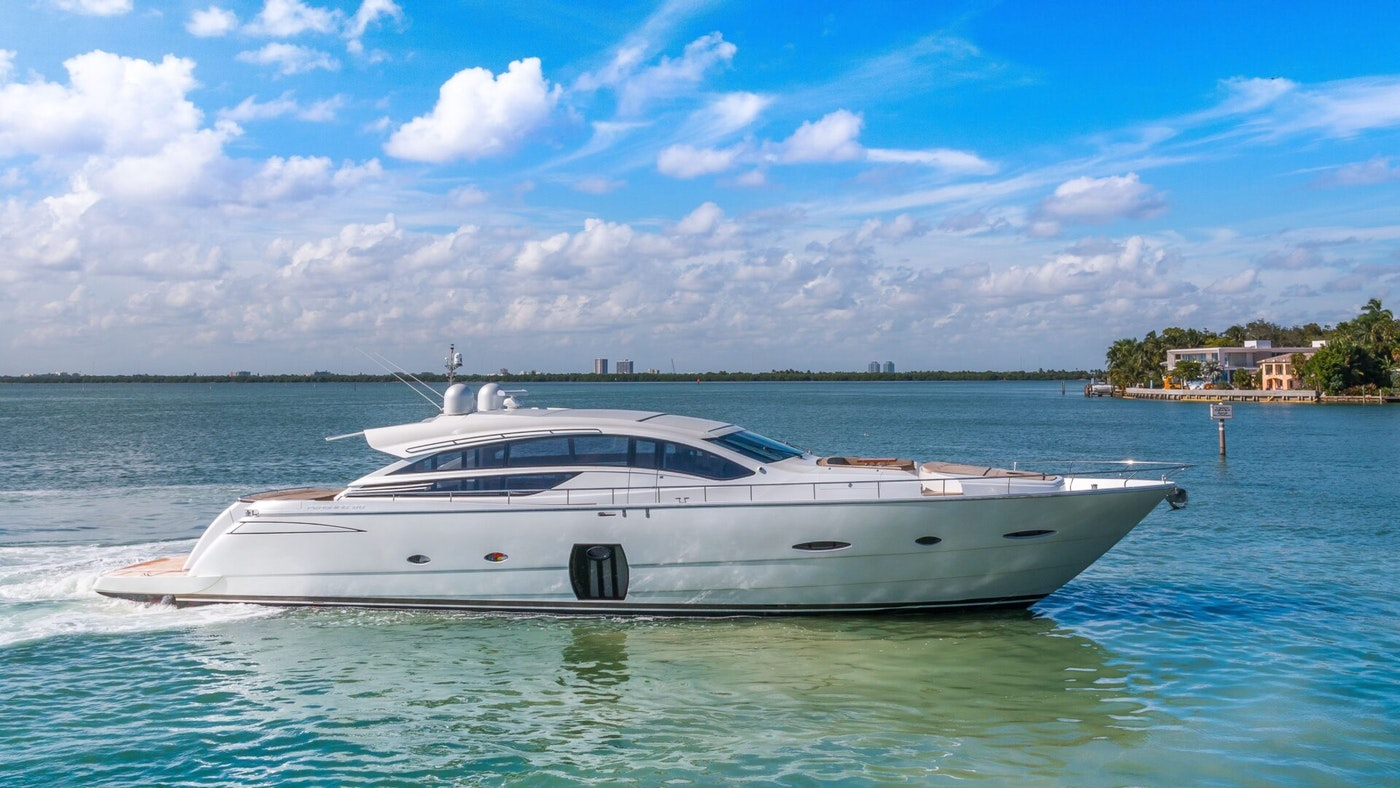 LUXURY YACHT PRESS BUY SOLD BY NORTHROP & JOHNSON