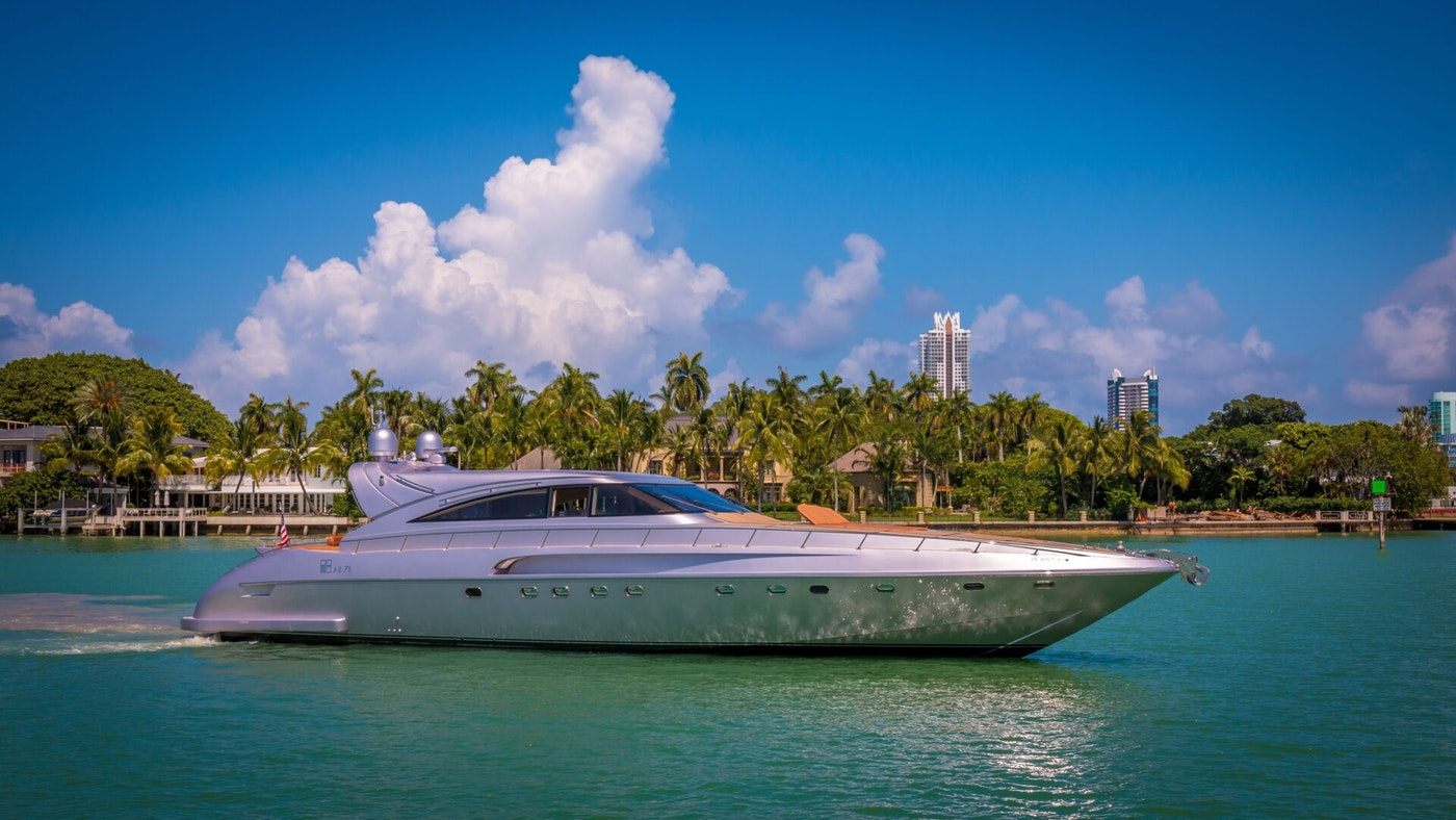 LUXURY YACHT SILVER LINING SOLD BY NORTHROP & JOHNSON