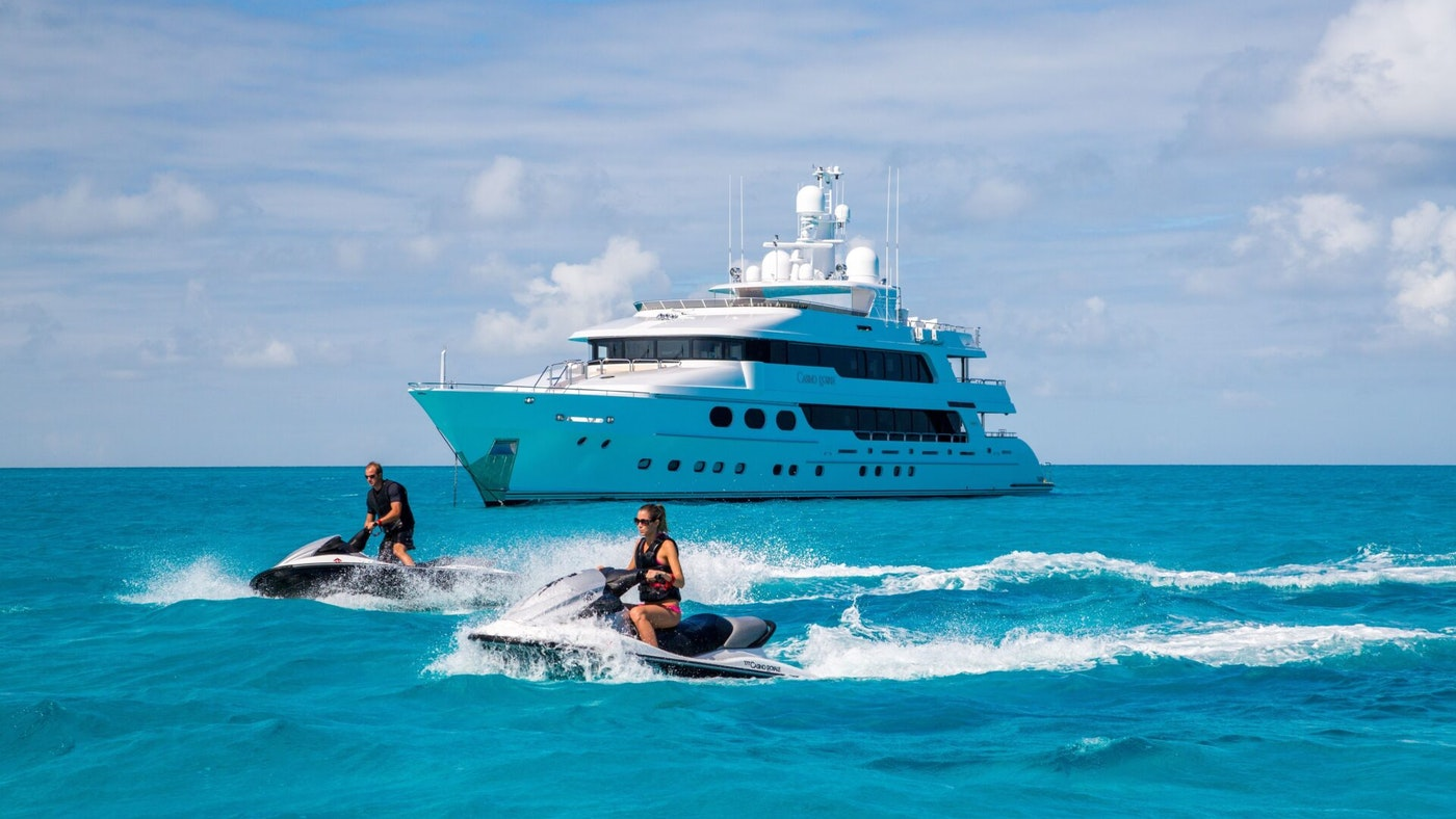 LUXURY YACHT CASINO ROYALE FOR SALE