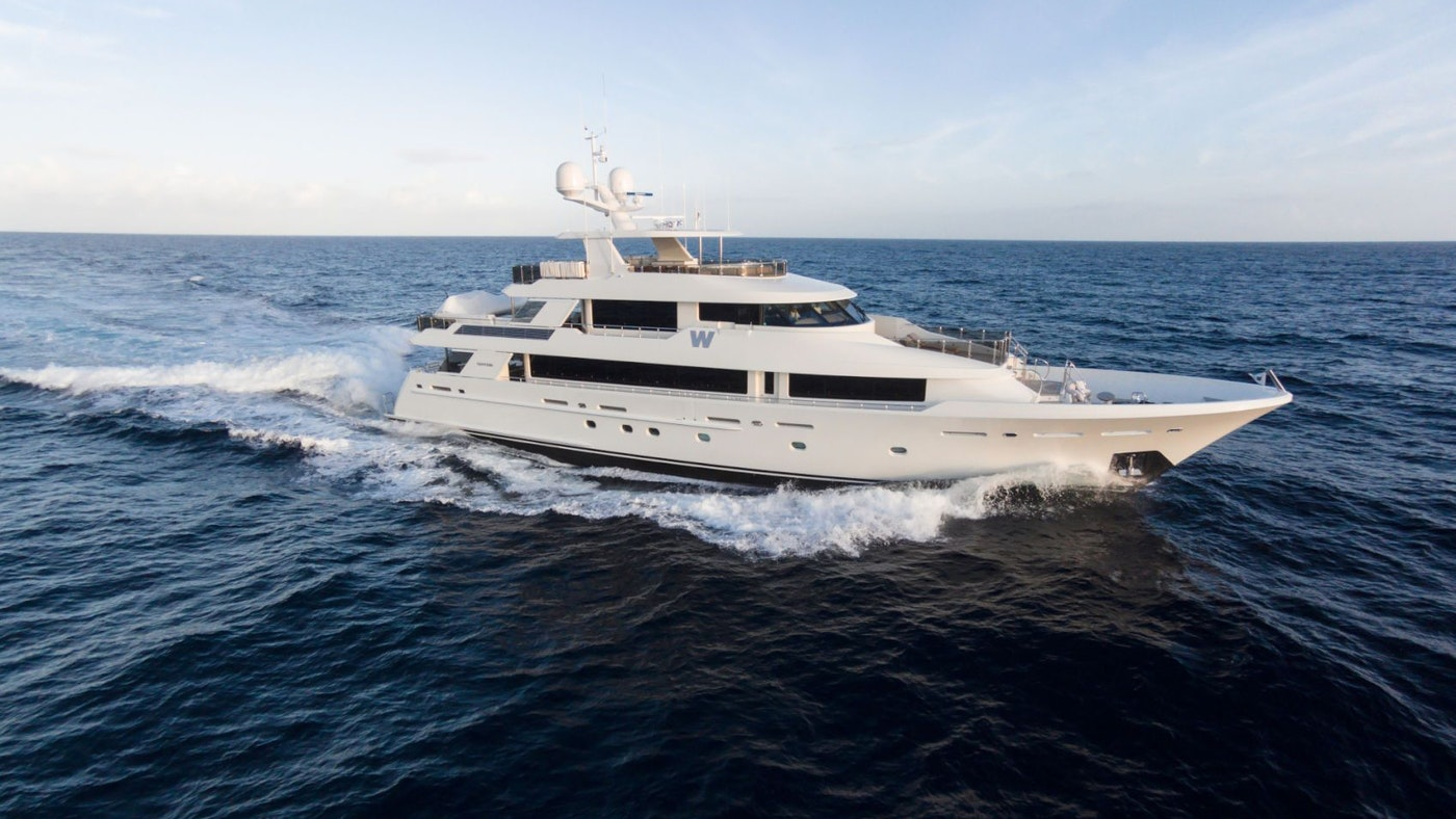 LUXURY MOTOR YACHT W FOR CHARTER WITH NORTHROP & JOHNSON