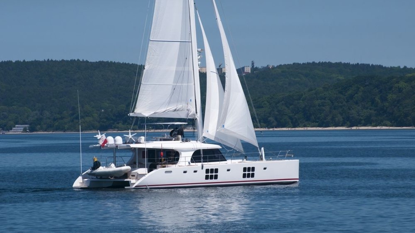 LUXURY CATAMARAN IN THE WIND FOR CHARTER