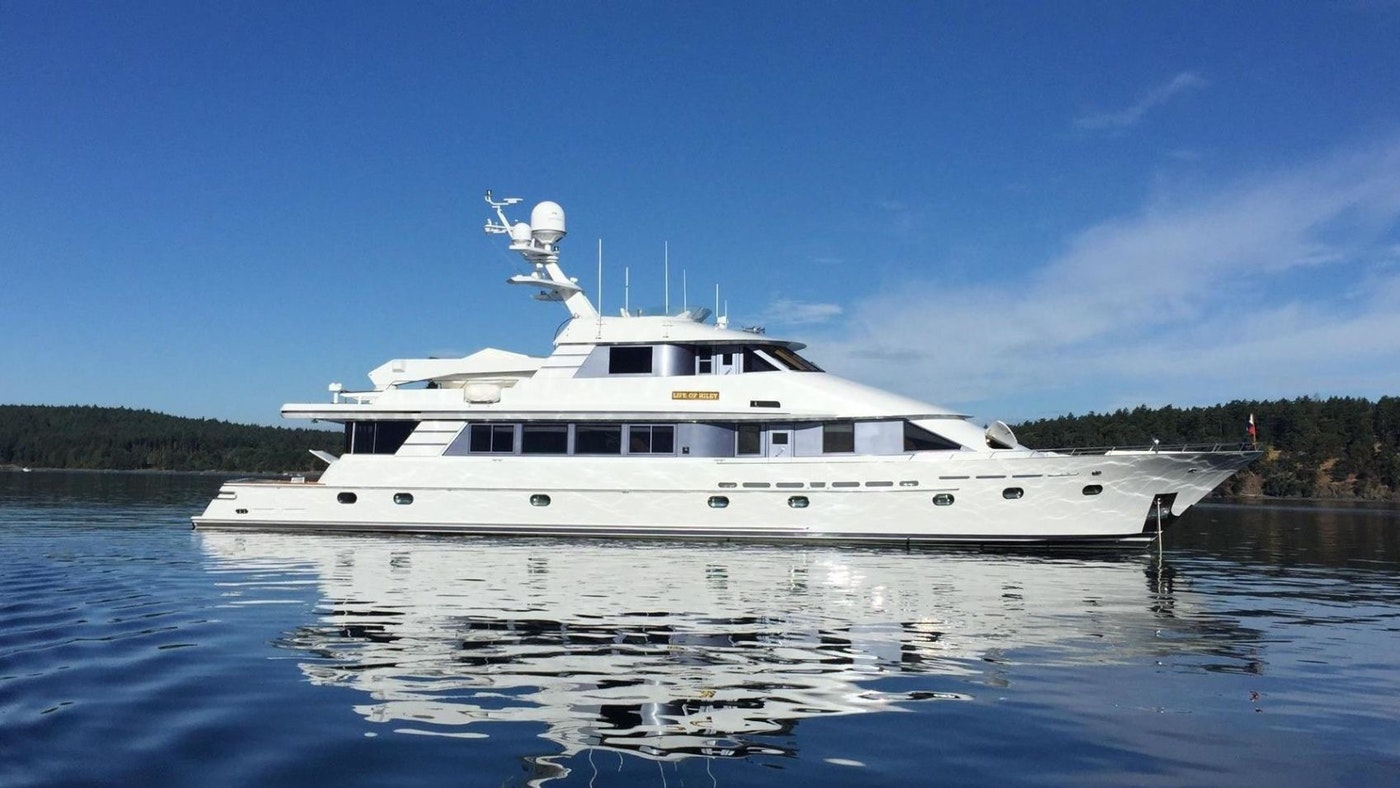 YACHT LIFE OF RILEY RECEIVES A PRICE REDUCTION