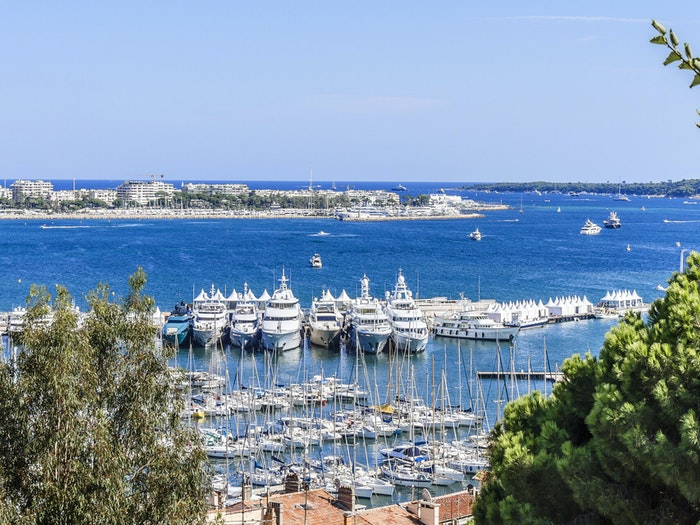 Cannes Yachting Festival 02