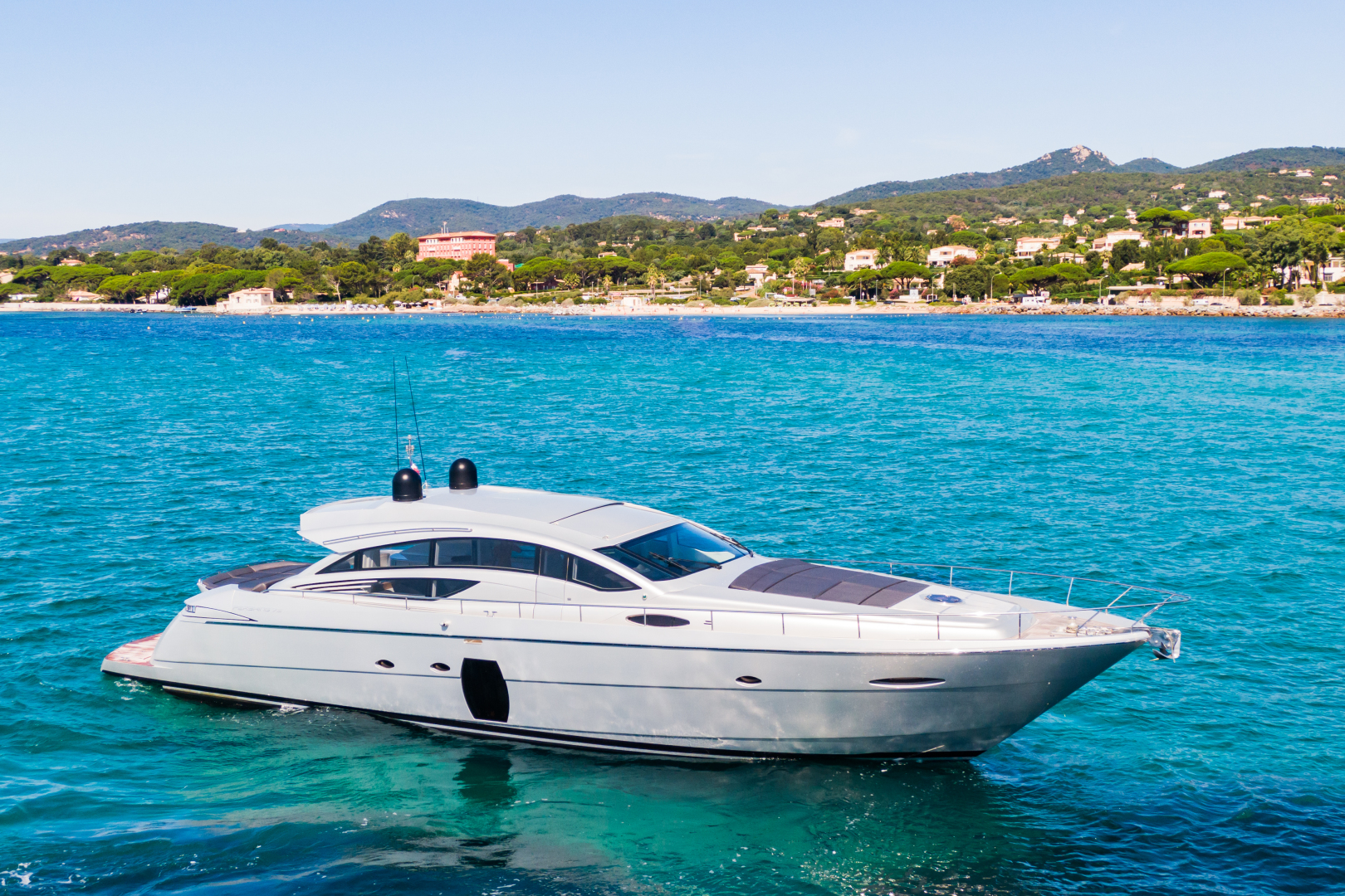 72' (21m) Pershing yacht for sale LOONEY profile