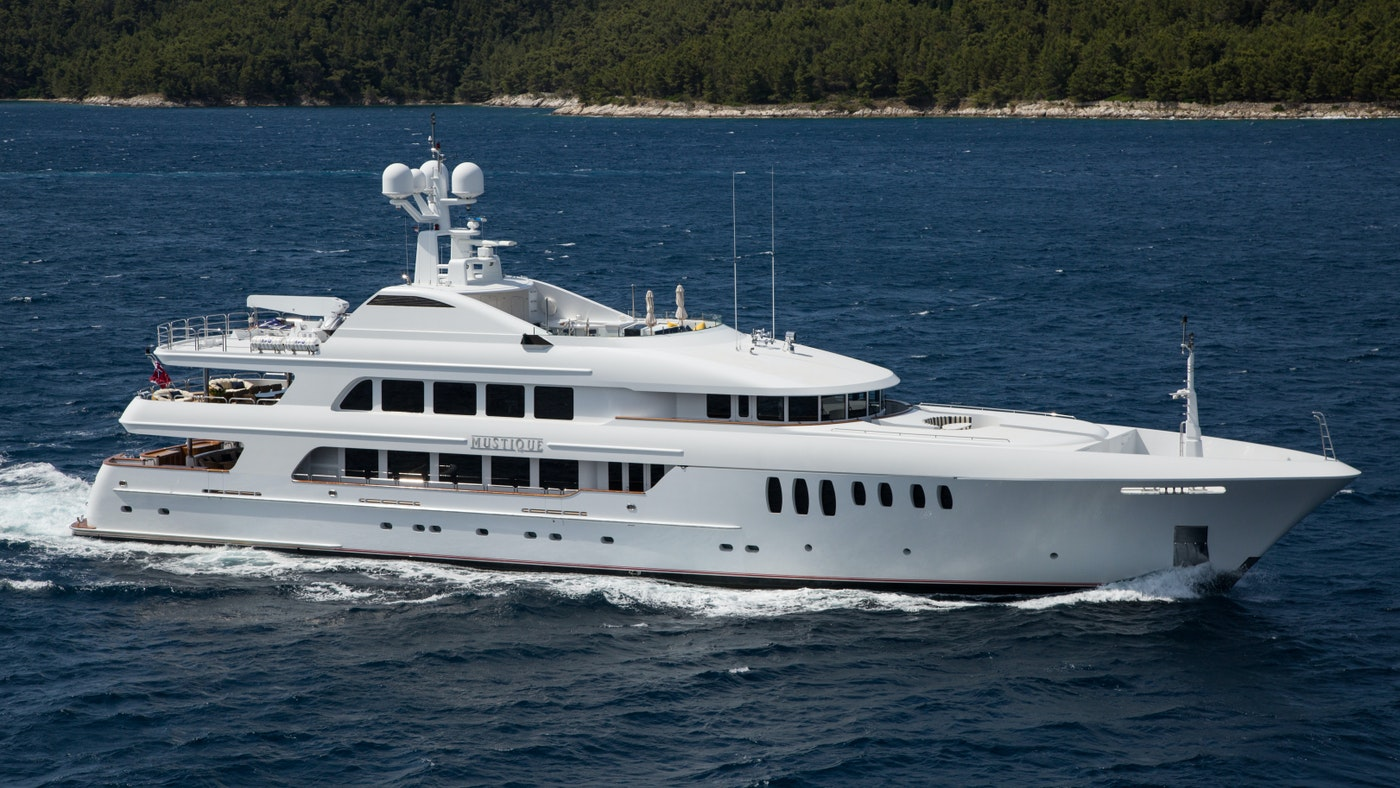 MUSTIQUE RECEIVES A MAJOR PRICE REDUCTION