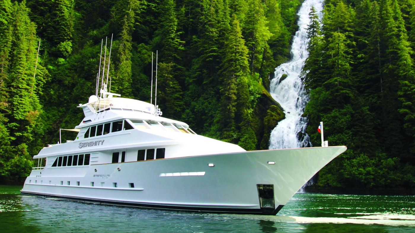 Superyacht Owner Adventures and 112 (37.2m) Flagship M/Y Serenity