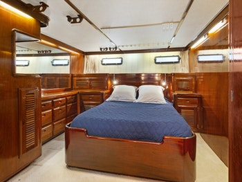 75' (22.86m) yachtfisher EL AMO yacht for sale master