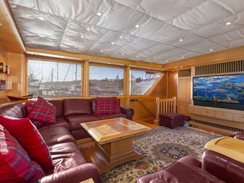 Yachtfisher for sale ILLEAGLE interior