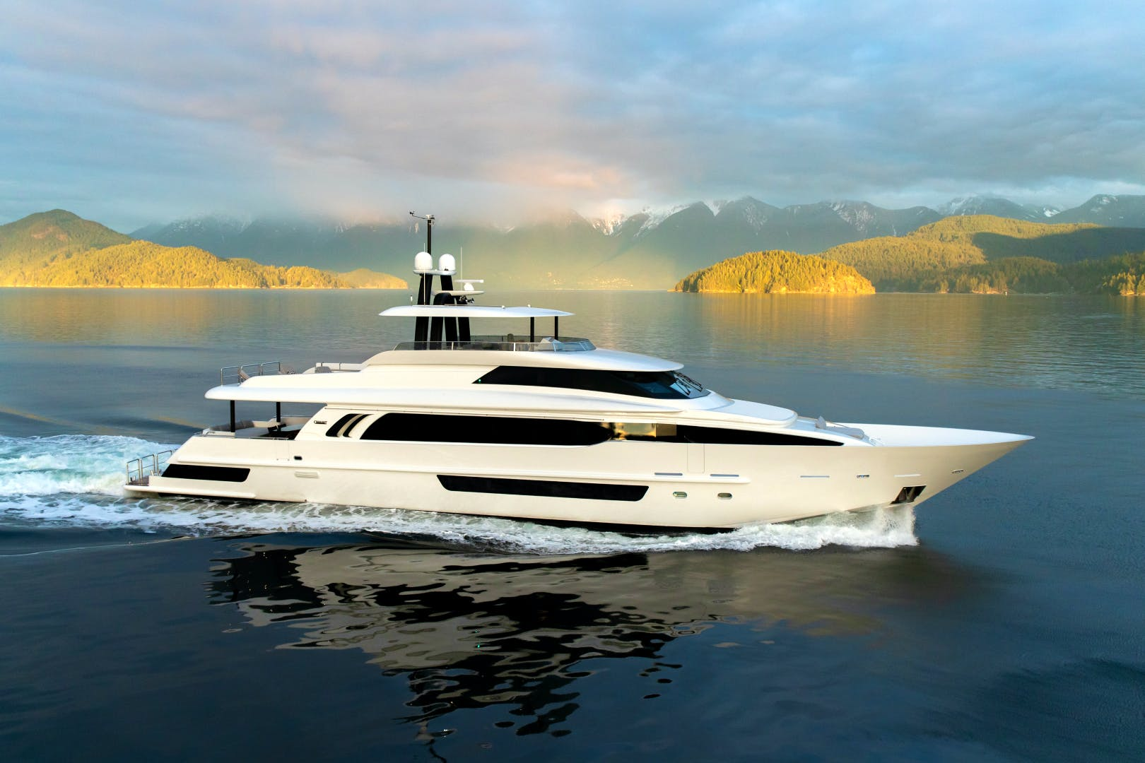 CRESCENt 117 Yacht for sale Profile