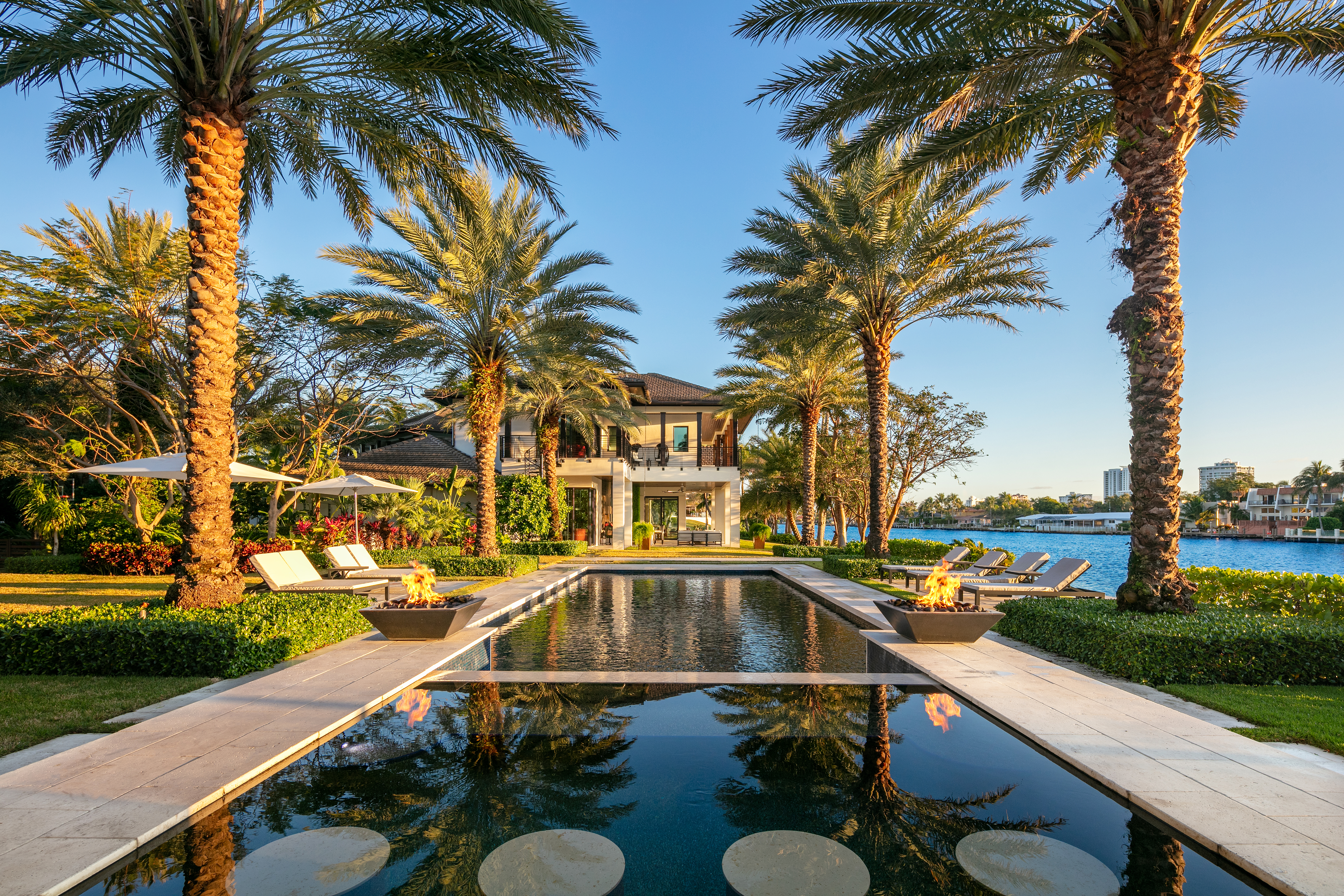 Pool at Compass listing 141 Bay Colony in Fort Lauderdale
