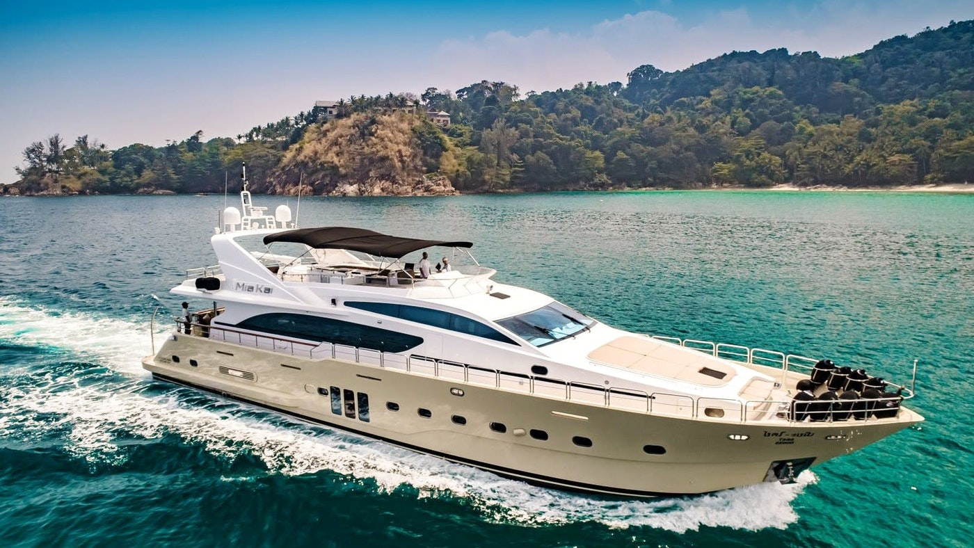 MIA KAI, 100-foot (30.48m) motor yacht, Now for Sale
