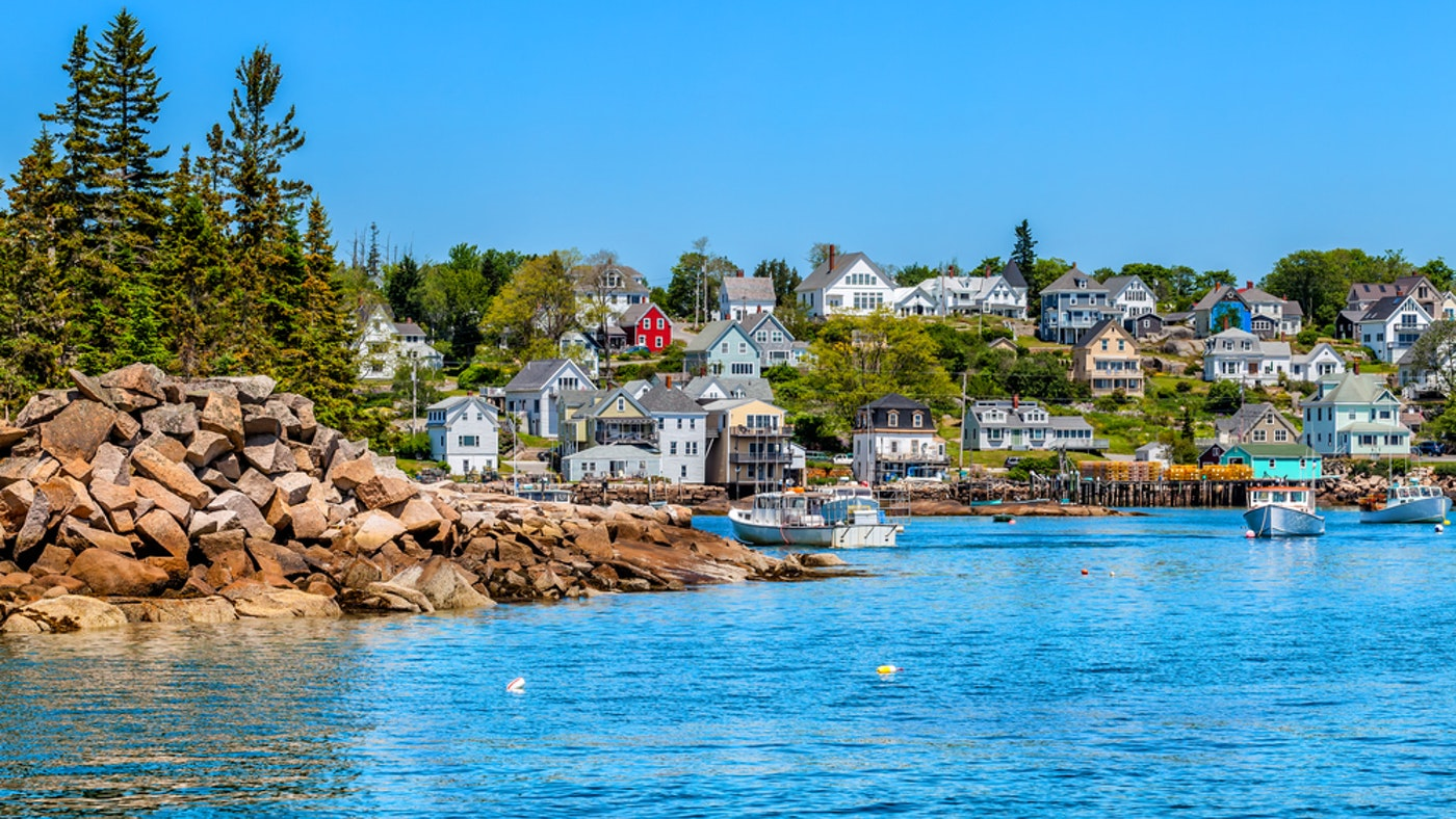 Discover New England Aboard a Charter Yacht – Summer 2021