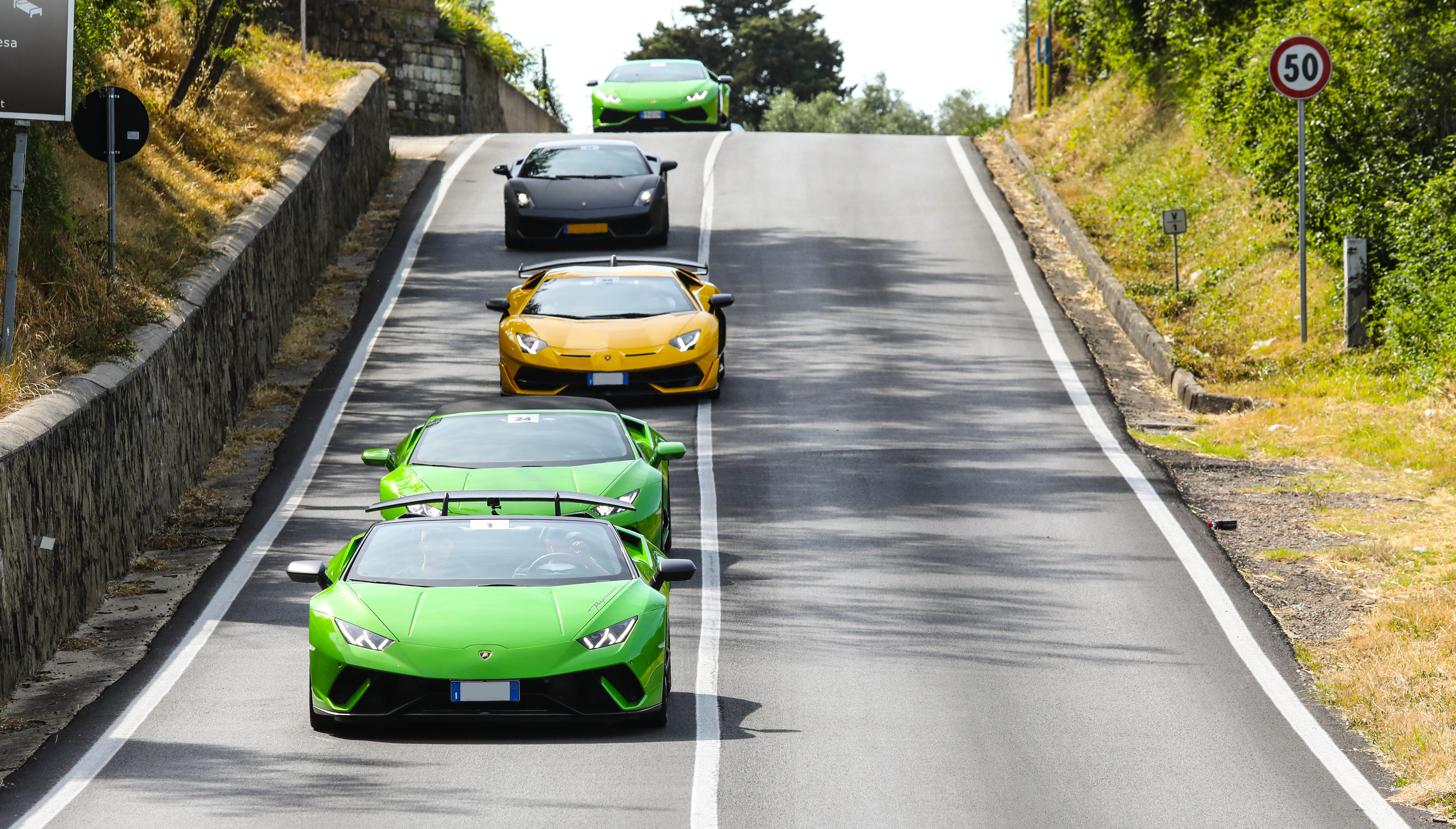 Lamborghinis driving through the Tuscan countryside during Bull Days Tuscany Reloaded 2021