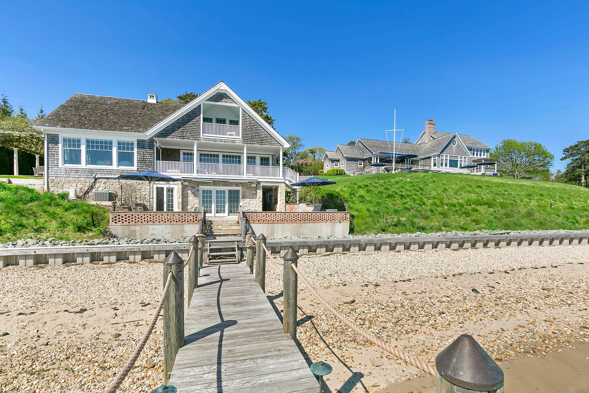 Guest house with a dock and beach in The Hamptons