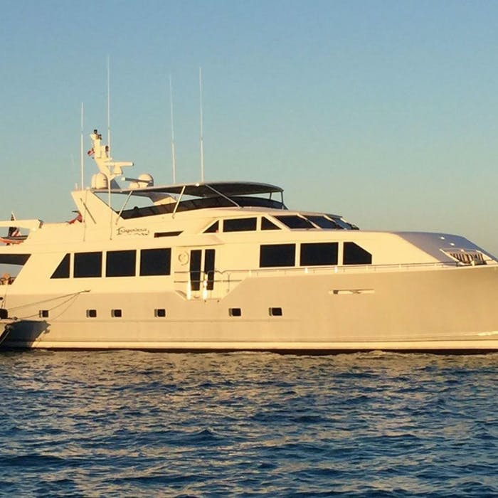 INDEPENDENCE 3 111' (33.83m) Broward Yacht For Sale