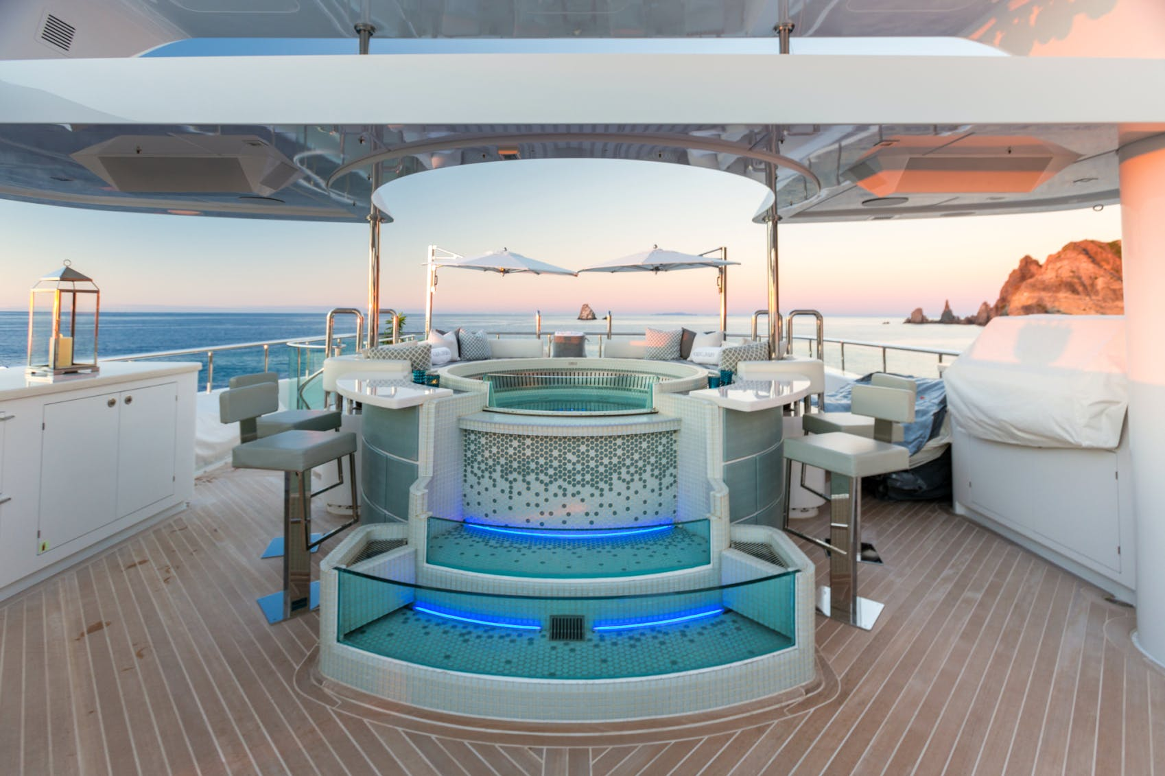 KING BABY Jacuzzi during sunset