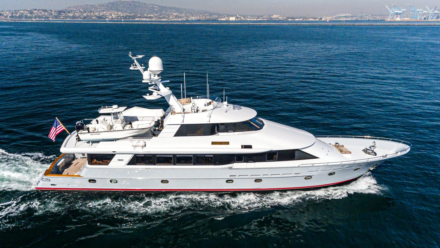 LIFE OF RILEY 115′ (35.05m) Westport-Crescent Yacht Sold