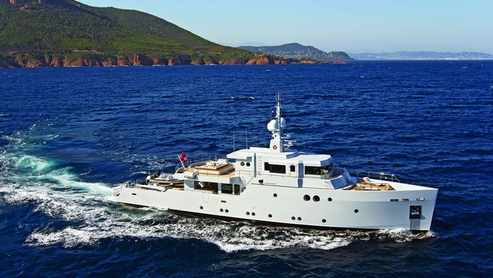 LUXURY EXPLORER YACHT BARTENDER FOR SALE WITH NORTHROP & JOHNSON