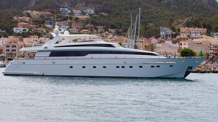 LUXURY MOTOR YACHT NON PLUS ULTRA FOR SALE