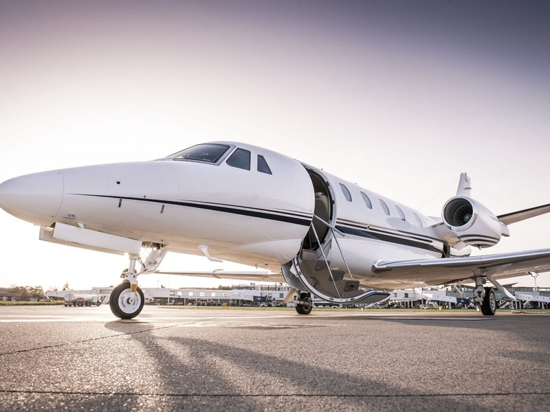Private Jet Card Comparisons: The Only Independent Buyer's Guide To Jet Card Programs