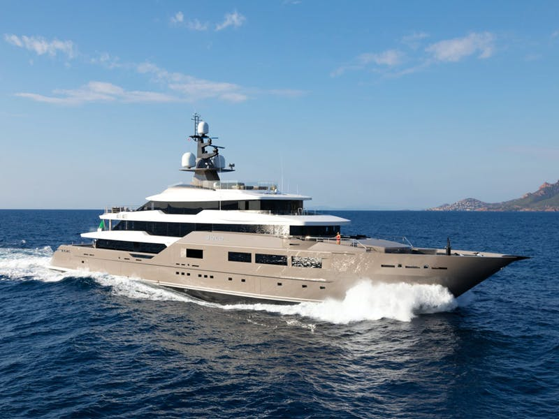 236' (72m) SOLO Receives a €5,000,000 Price Reduction