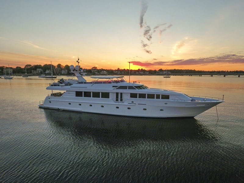 118' (35.97m) Intermarine SAVANNAH Now for Charter