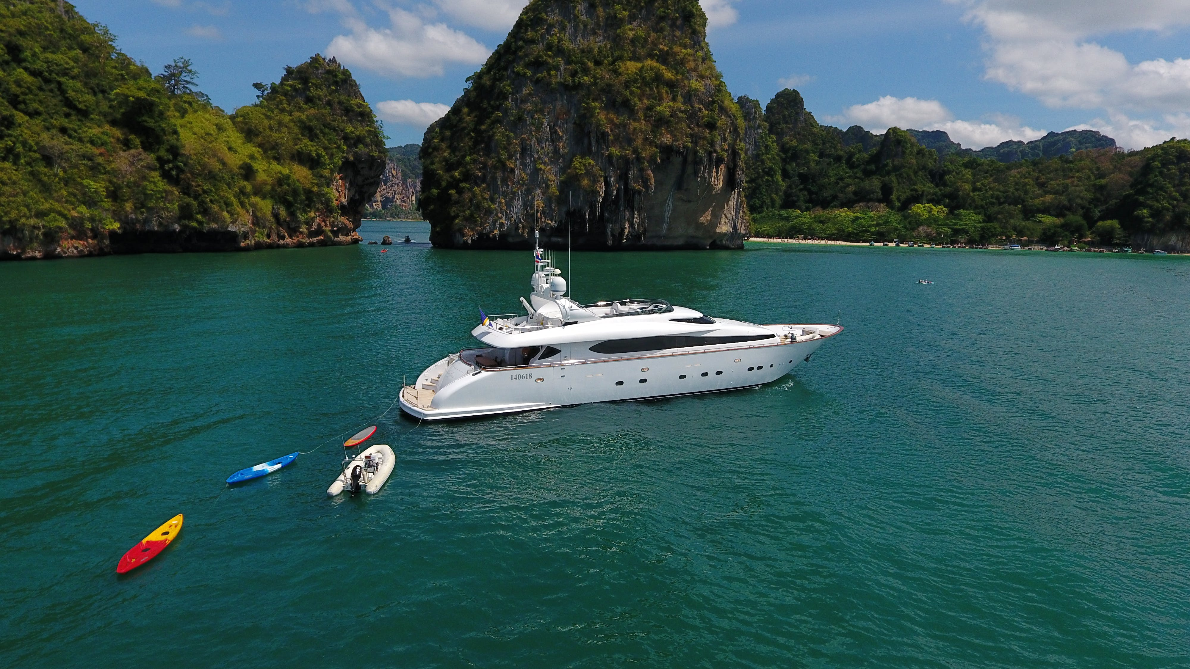 Seasonal Rates for AVELINE Private Luxury Yacht For Charter