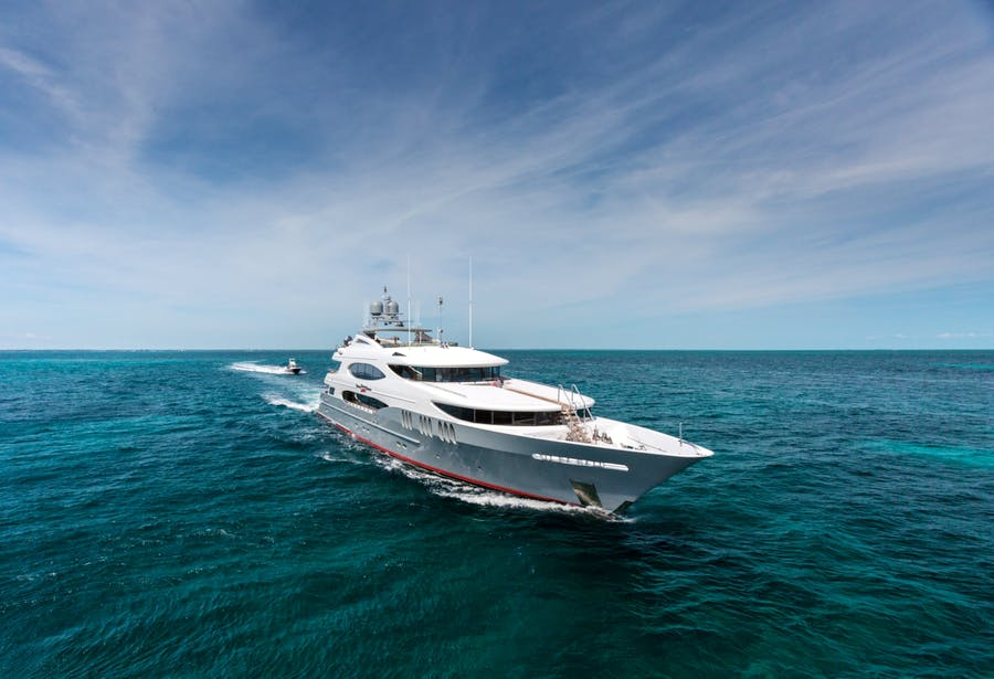 Seasonal Rates for ZOOM ZOOM ZOOM Private Luxury Yacht For Charter