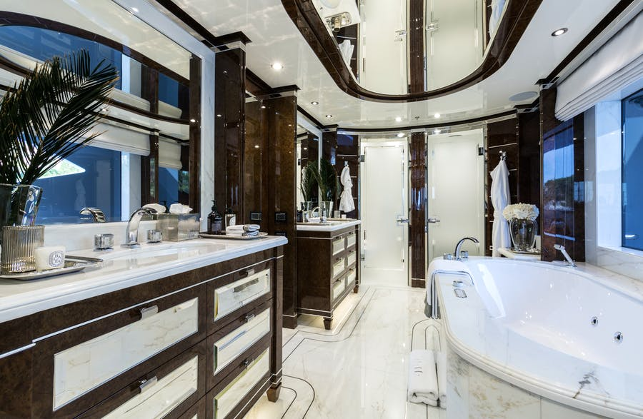 Features for 11.11 Private Luxury Yacht For charter
