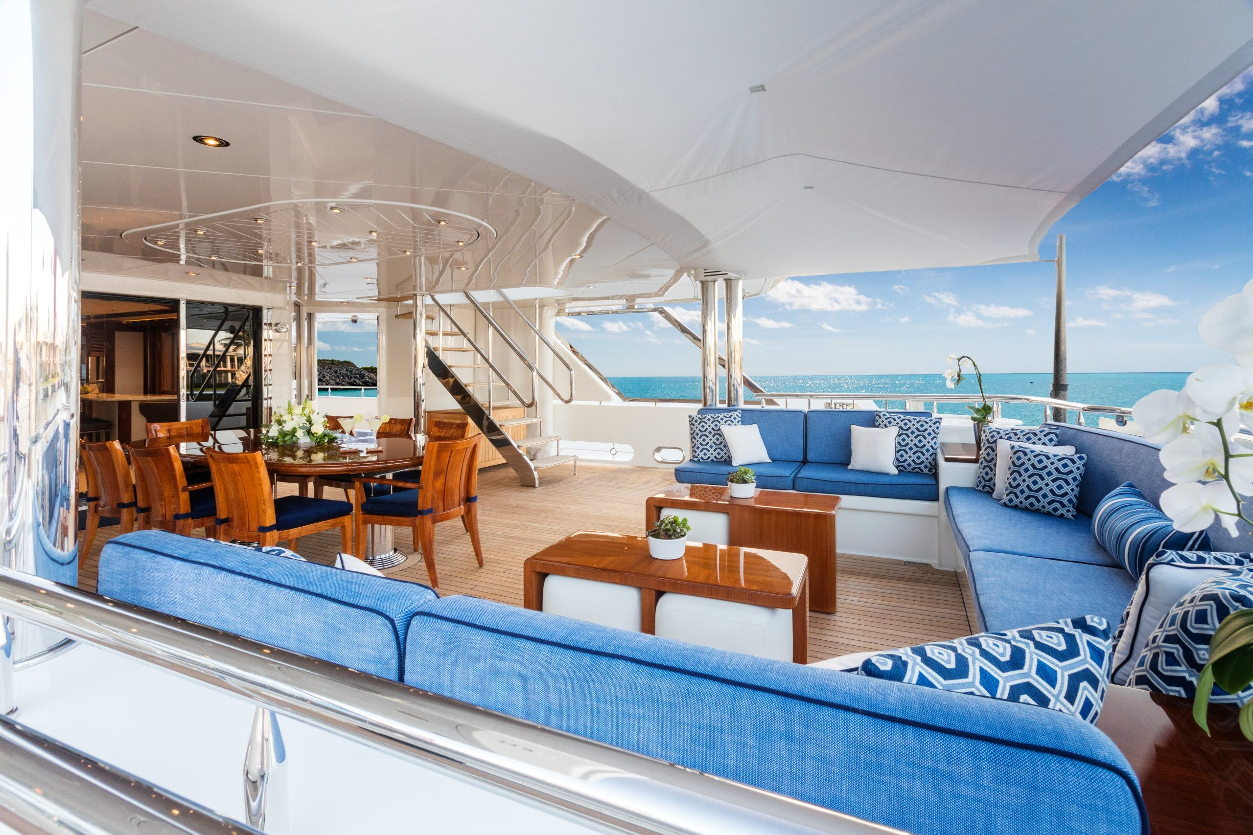 Seasonal Rates for CHASING DAYLIGHT Private Luxury Yacht For Charter