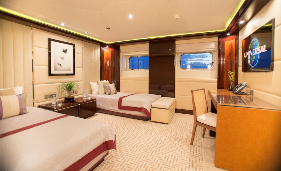 Features for DREAM Private Luxury Yacht For charter