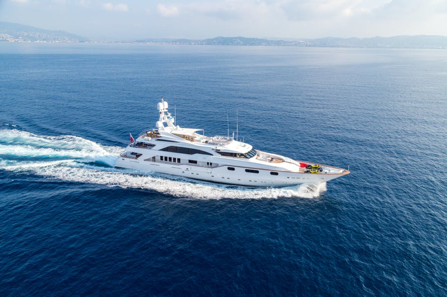 Seasonal Rates for Air Private Luxury Yacht For Charter