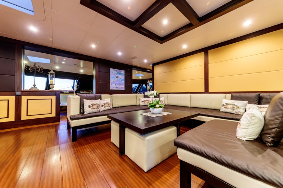 Features for ALLURES Private Luxury Yacht For charter