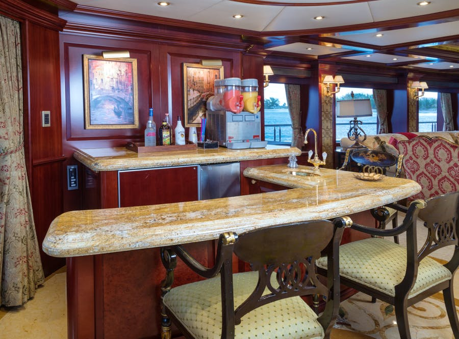 Features for AMARULA SUN Private Luxury Yacht For charter