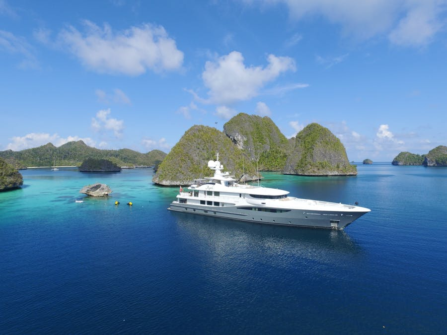 Seasonal Rates for APRIL Private Luxury Yacht For Charter