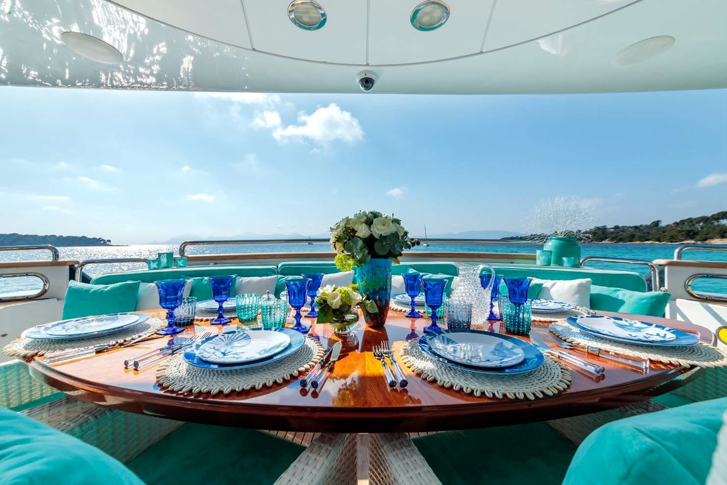 Features for BANG! Private Luxury Yacht For charter