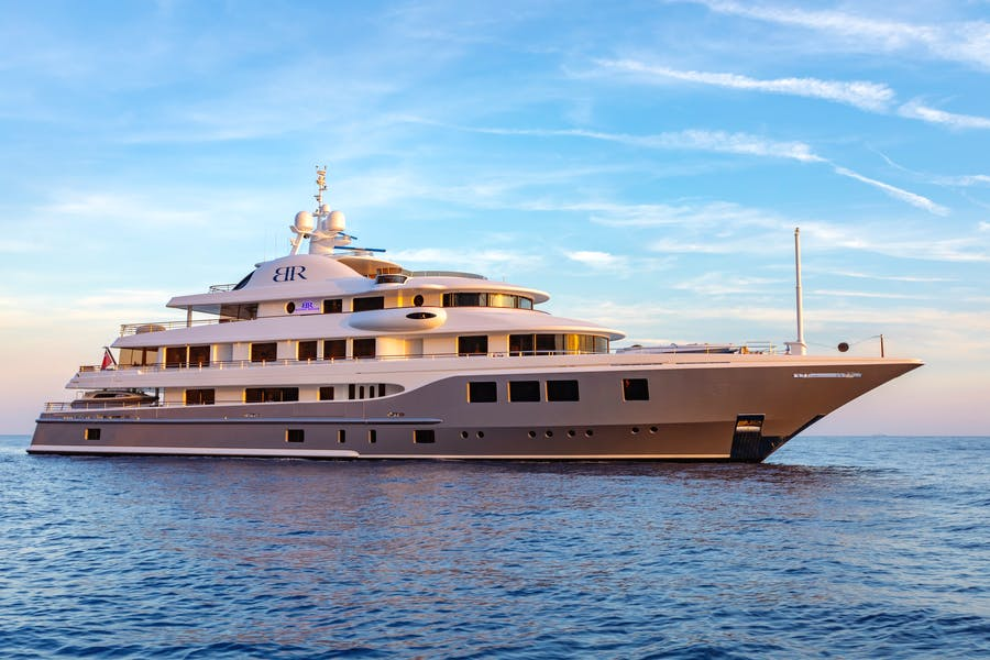 Seasonal Rates for BATON ROUGE Private Luxury Yacht For Charter