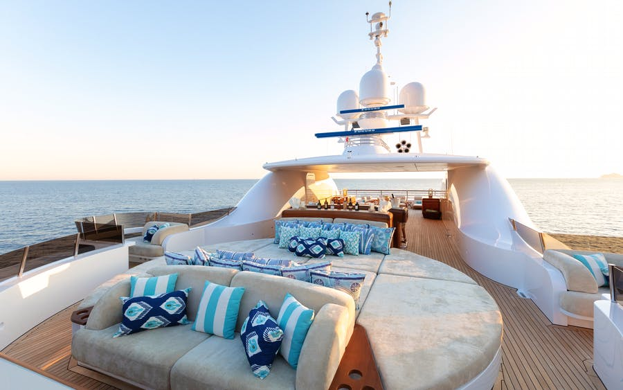 Tendar & Toys for BATON ROUGE Private Luxury Yacht For charter