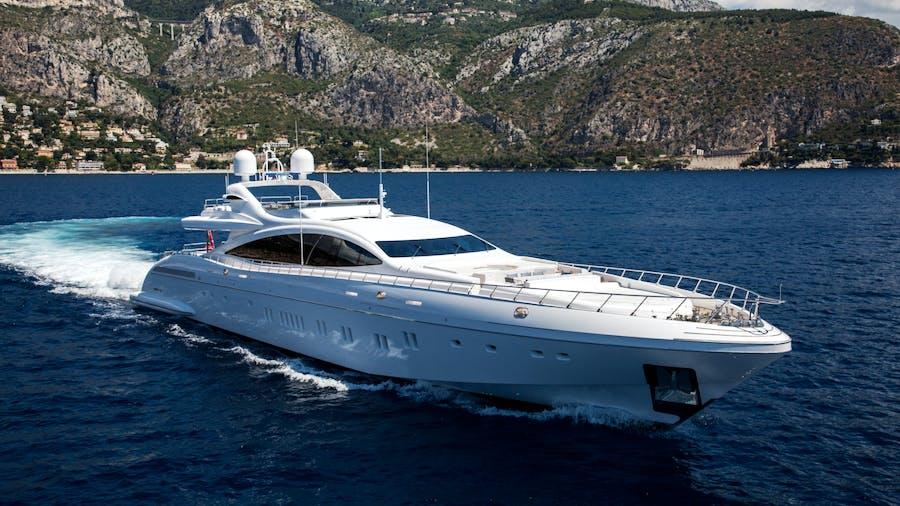 Da Vinci Yacht For Charter Mangusta Overmarine Luxury