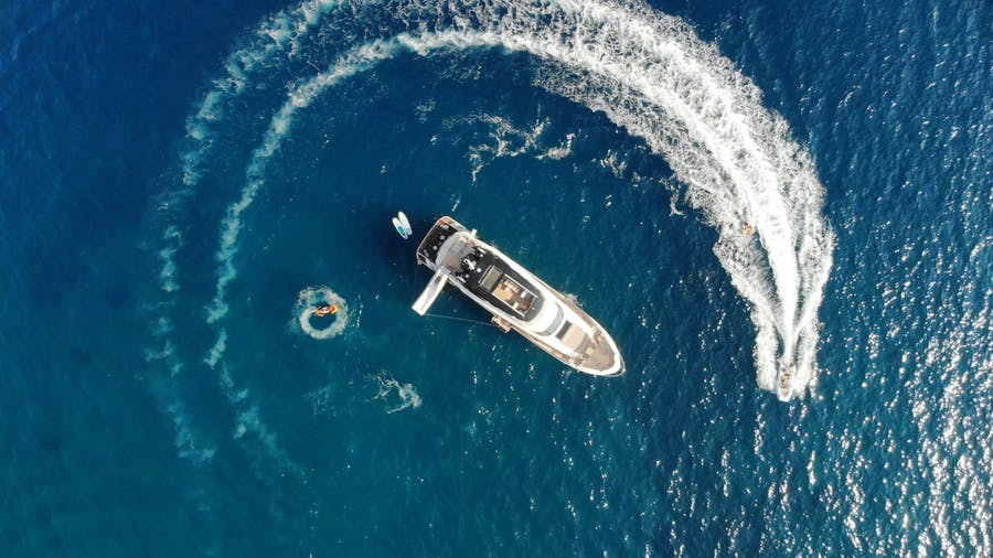 Features for VIVALDI Private Luxury Yacht For charter