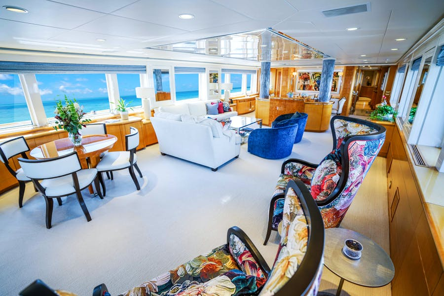 Features for WONDERLAND Private Luxury Yacht For charter