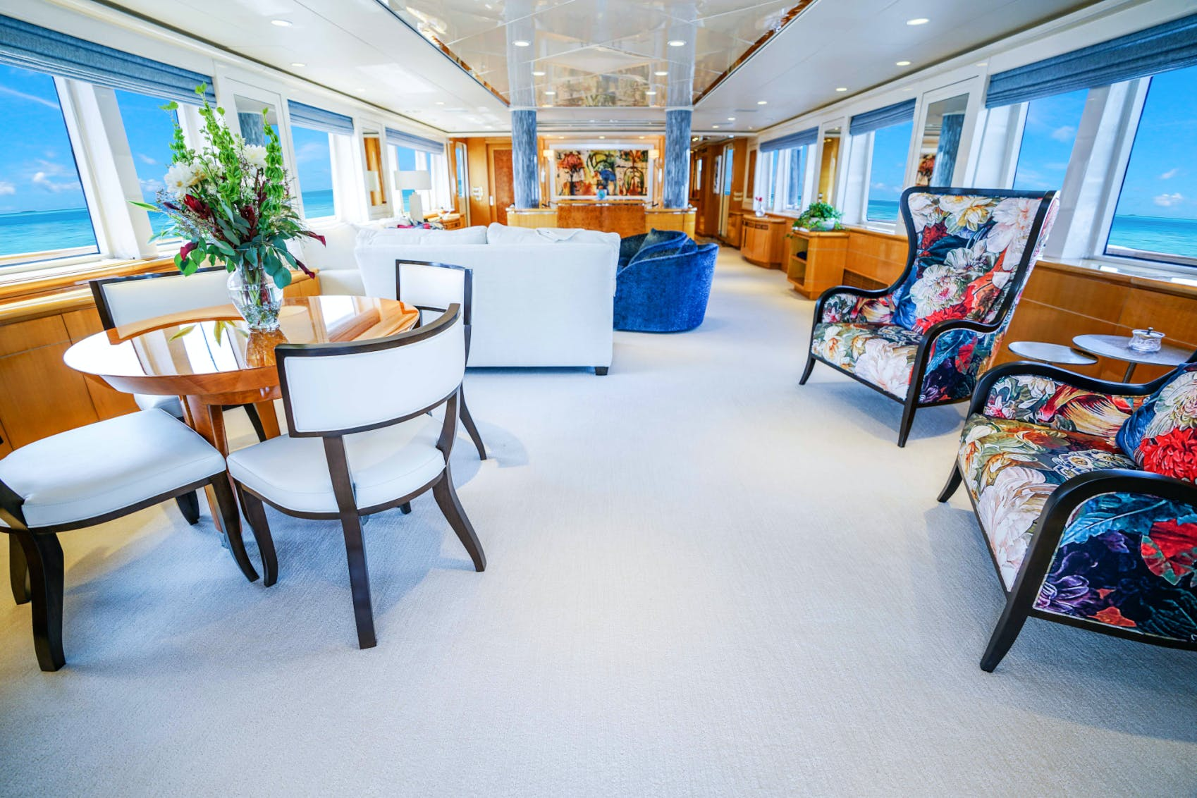 Seasonal Rates for WONDERLAND Private Luxury Yacht For Charter