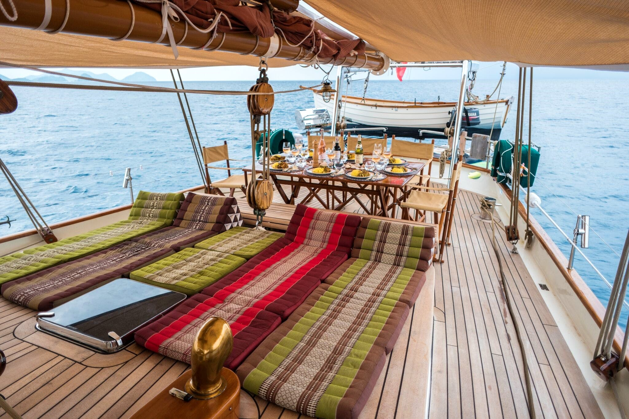 Seasonal Rates for DALLINGHOO Private Luxury Yacht For Charter