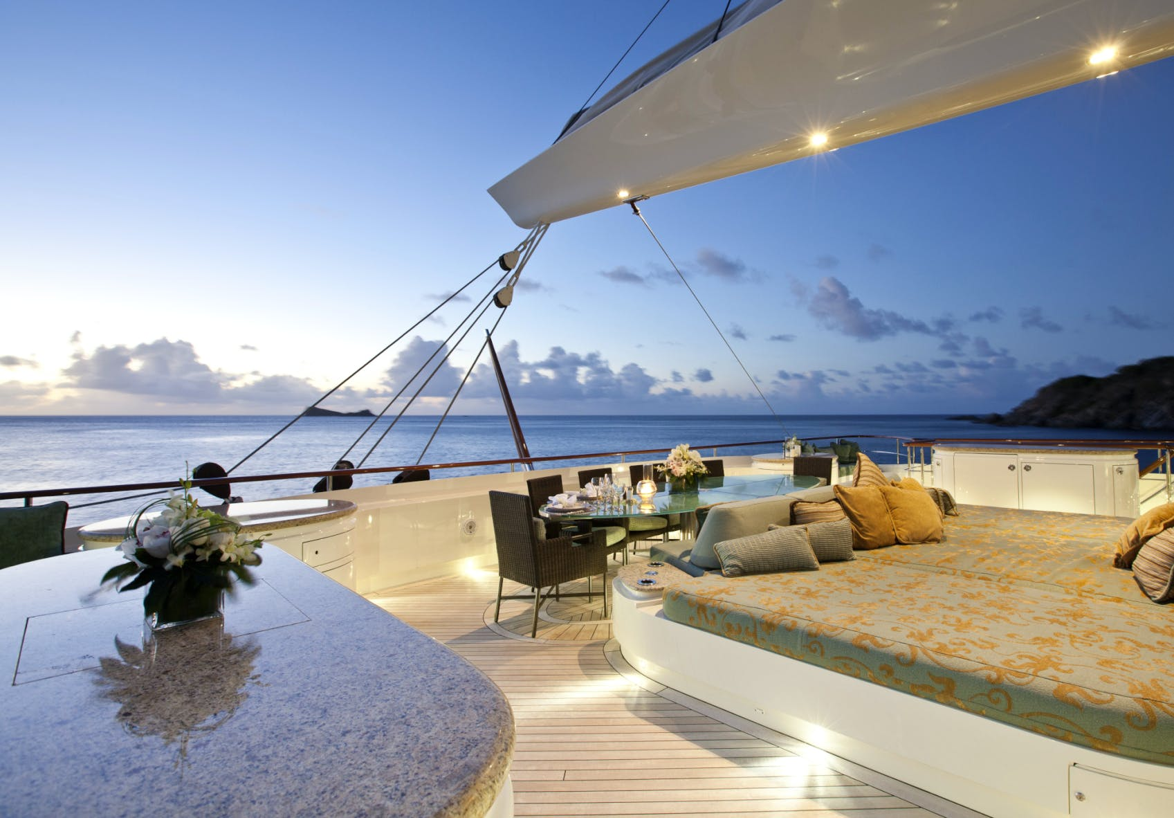 Seasonal Rates for HEMISPHERE Private Luxury Yacht For Charter