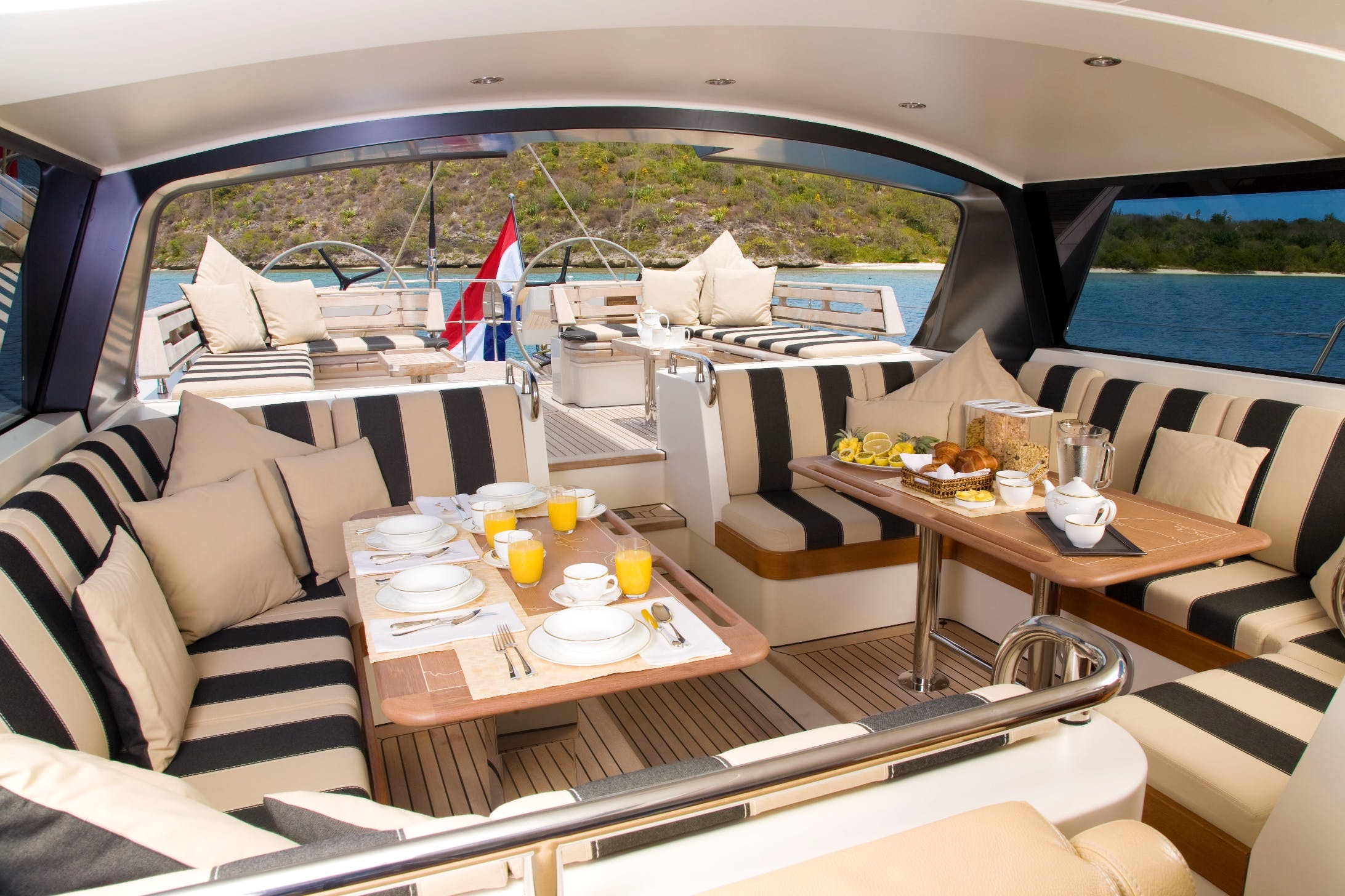Seasonal Rates for ICARUS Private Luxury Yacht For Charter