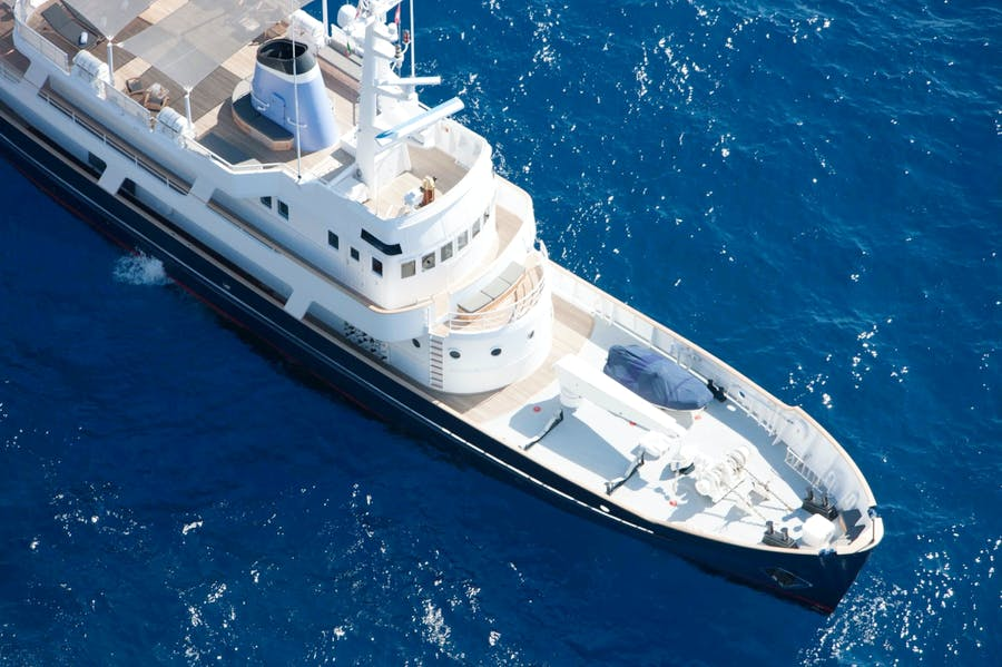 Features for ICE LADY Private Luxury Yacht For charter