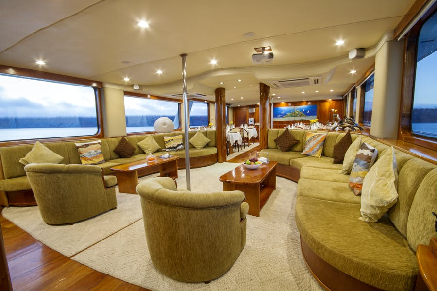 Features for INTEGRITY Private Luxury Yacht For charter